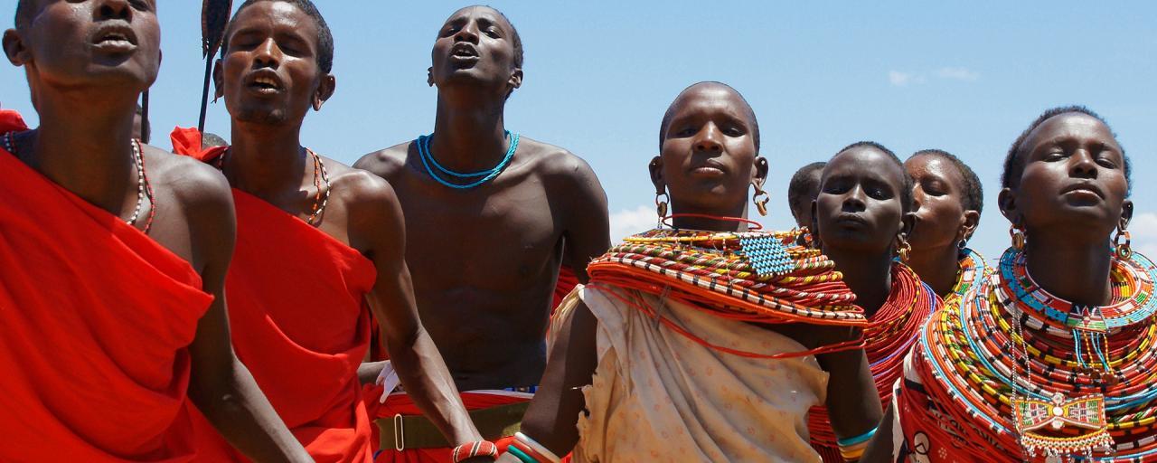 masai mara exploringafrica savannah romina facchi safariadv gnu great migration iena hyena spottedhyena