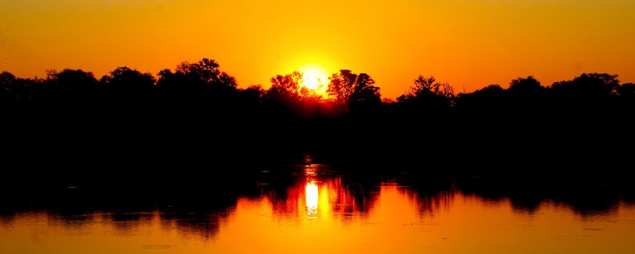 okawango delta exploringafrica safariadv romina facchi sunset travel viaggi