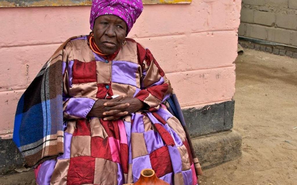nama people namibia, old woman safariadv exploringafrica travel viaggio africa namibia