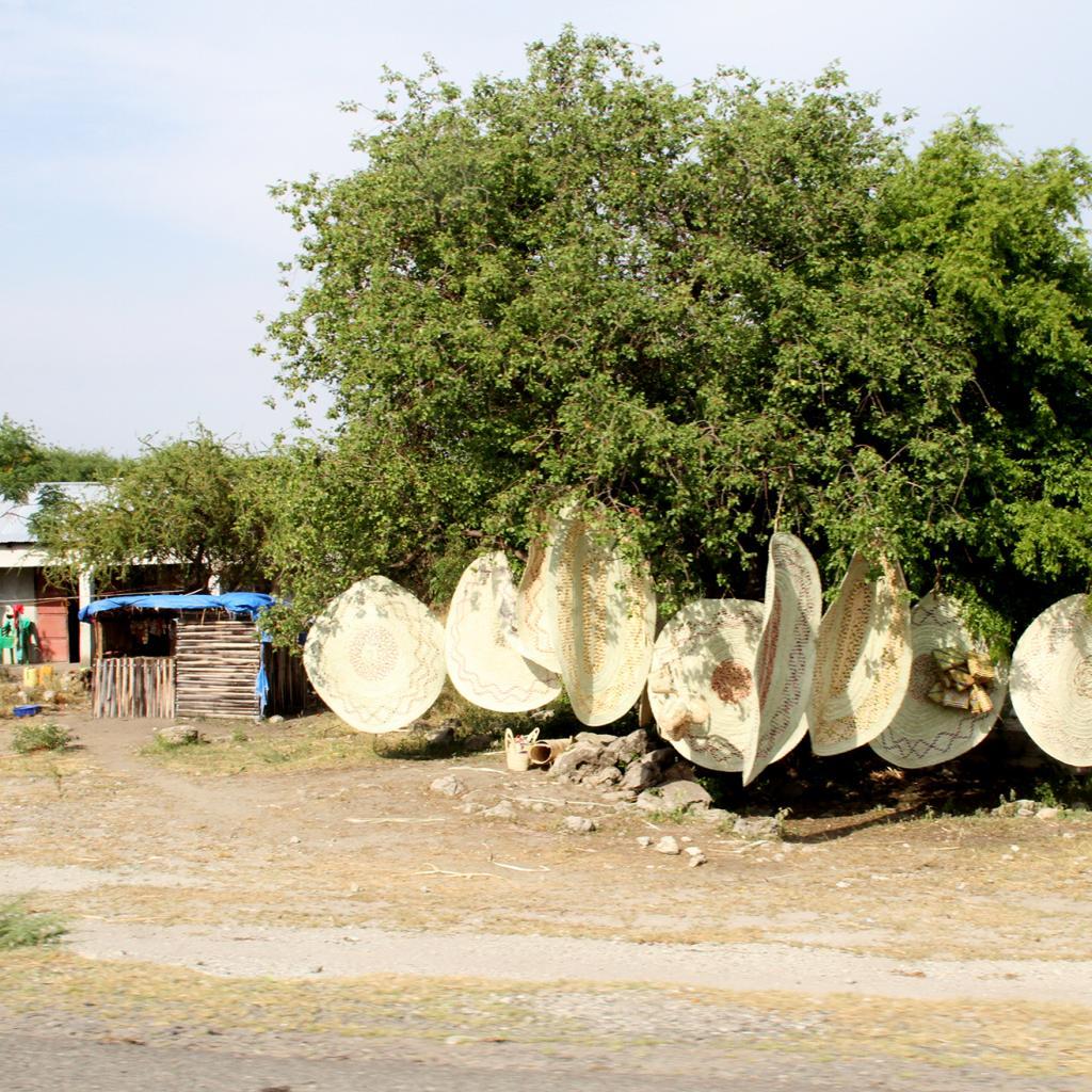 mbugwe land exploring africa safariadv romina facchi travel africa