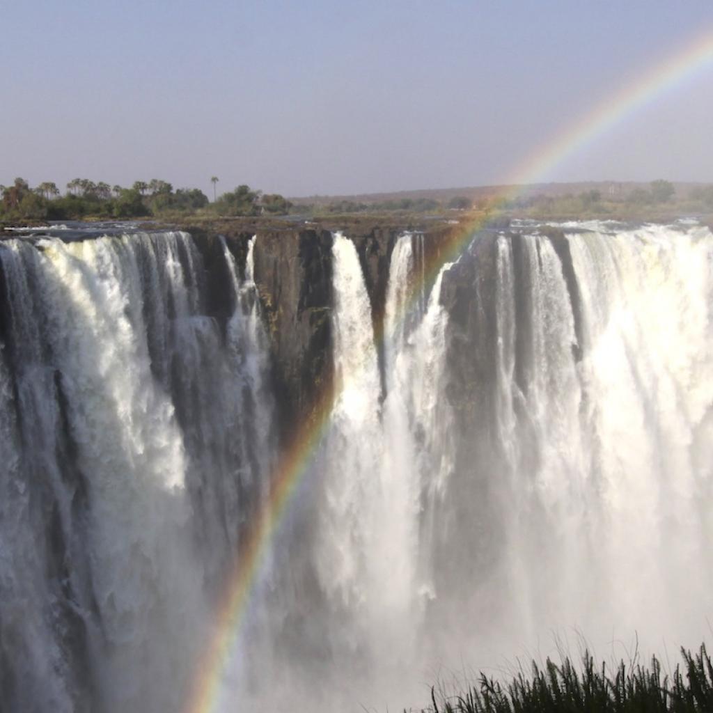 victoria falls zimbabwe africa exploringafrica safariadv alessiodellecave cascate vittoria