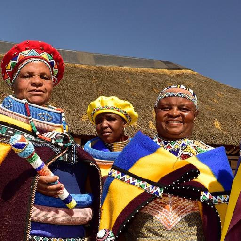 ndebele zimbabwe africa exploringafrica safariadv southafrica zimbabwe africa exploringafrica safariadv southafrica